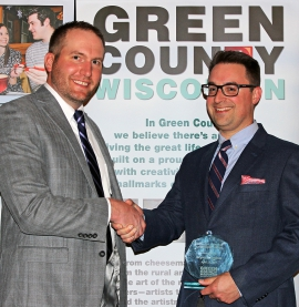 2005 alumnus receives leadership award