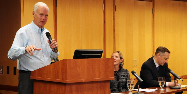 Sen. Johnson discusses immigration, gun violence, other topics with faculty, students